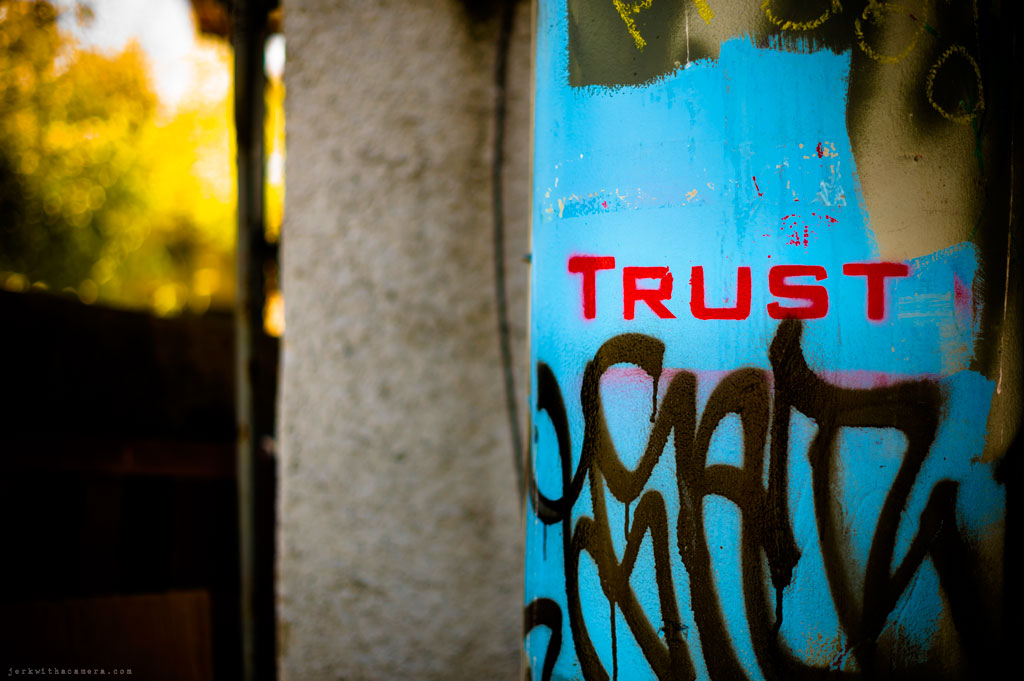Gastown - Photowalk - trust