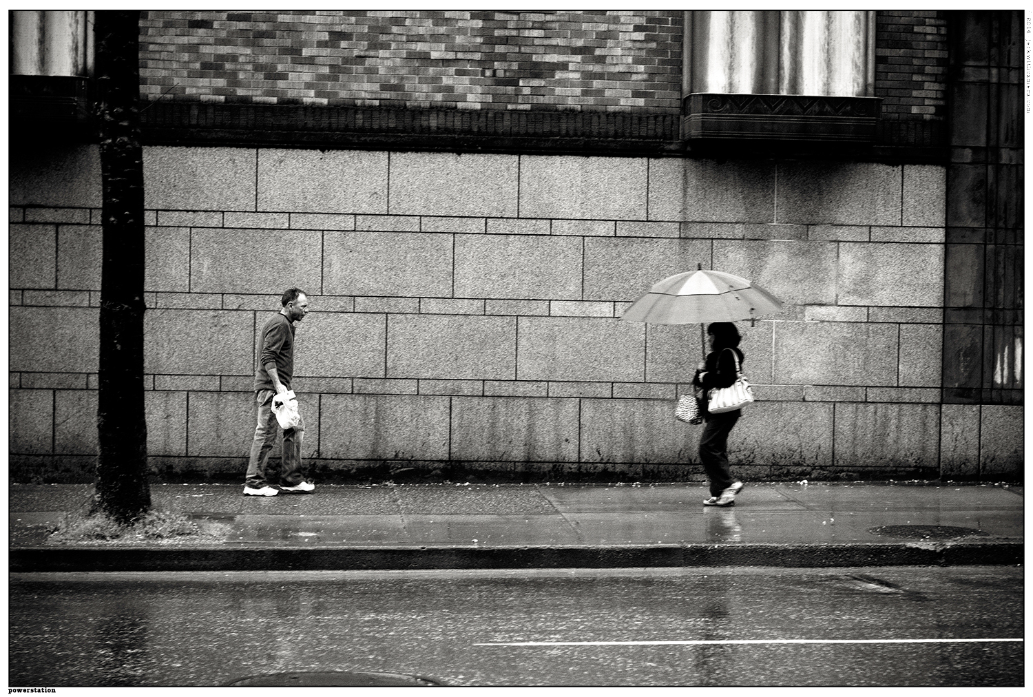 Picking On Complete Strangers - Nikon D610 - Chinatown Walking in the rain