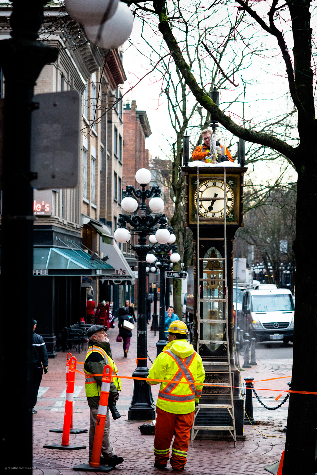 Gastown Steam Clock Returns - January-21,-2015